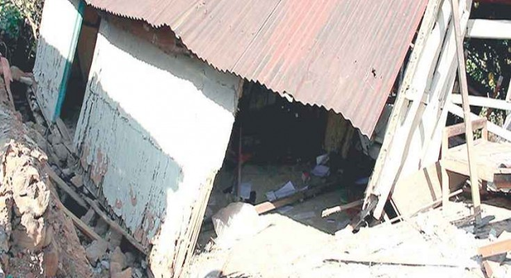 Over-1000-buildings-damaged-in-Senapati-735x400